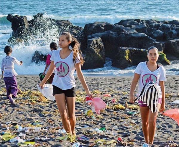 कोरोना काल में भी डटी रहीं ये बहनें, बाली को प्लास्टिक फ्री बनाने की चला रही मुहिम