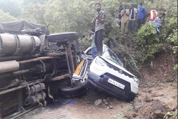 truck collided with truck four injured