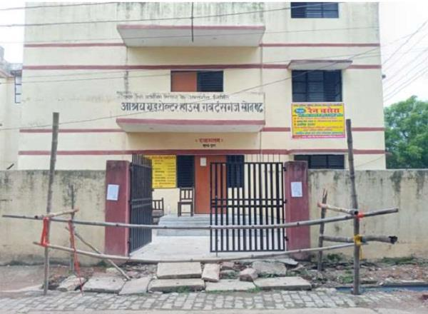big carelessness three prisoners escaped from temporary jail in sonbhadra