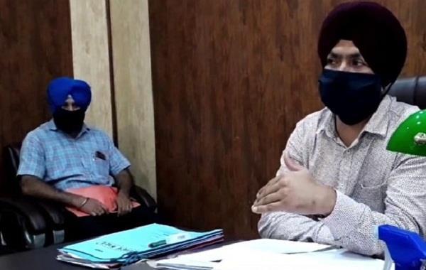 batala nagar council scandal 6 detained including former eo superintendent