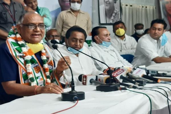 big shock to bjp former minister kl agarwal joins congress