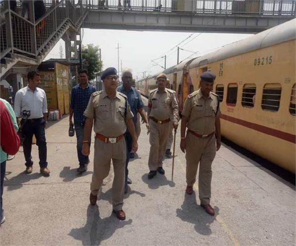 15th anniversary of bomb blast in jaunpur intensive checking of trains