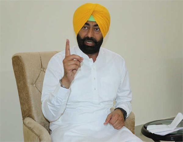 school fees case khaira targeted the captain on the high court s decision