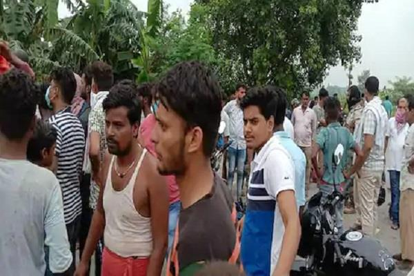 two killed including a janitor in a vehicle collision in sitamarhi
