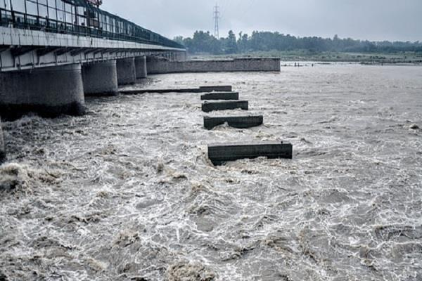 flood rivers in up are overflowing danger crosses somewhere