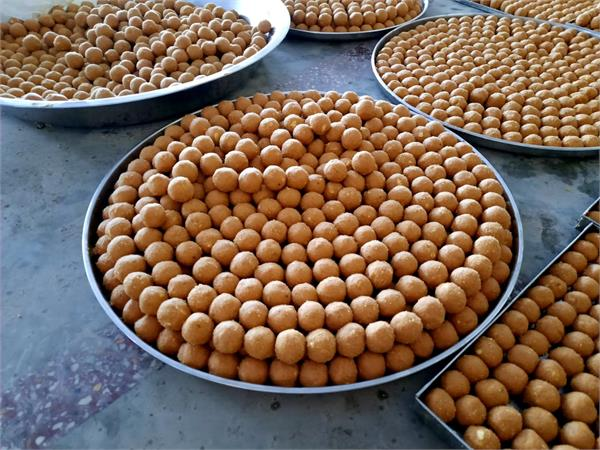ayodhya one lakh 11 thousand laddus are being prepared for land worship