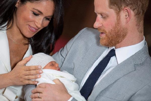 royal couple filed a case for taking a picture of their son