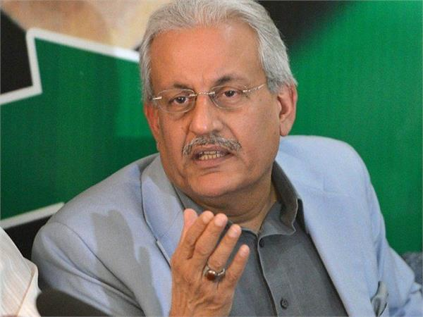 pak senator slams govt for ordinance on foreign nationals