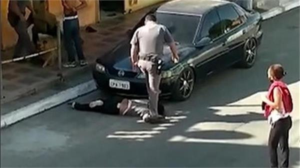 policeman stands on 51 yr old black woman s neck in brazil video surfaces