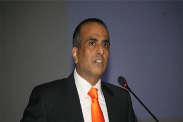 mittal demands to reduce tax on telecom sector