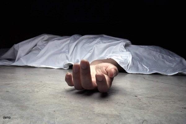gas leaks in a plant in ahmedabad 4 people died