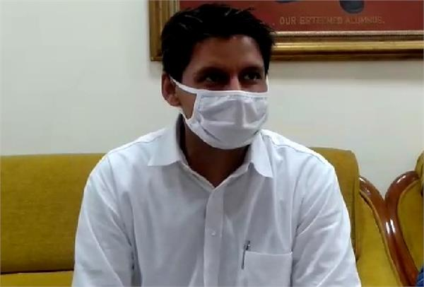 deepender hooda asked 15 questions from bjp jjp government