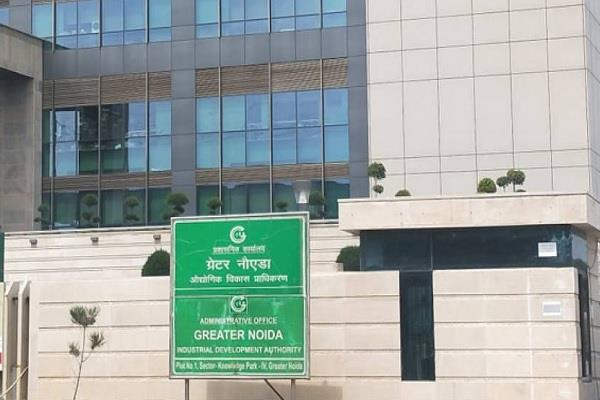 noida authority inspects 33 societies notices on non stp