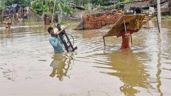 802 villages in 20 districts in up affected by floods