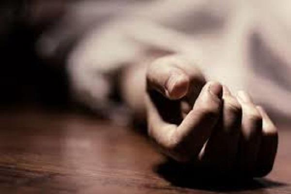 jalandhar businessman killed himself by jumping in front of the train