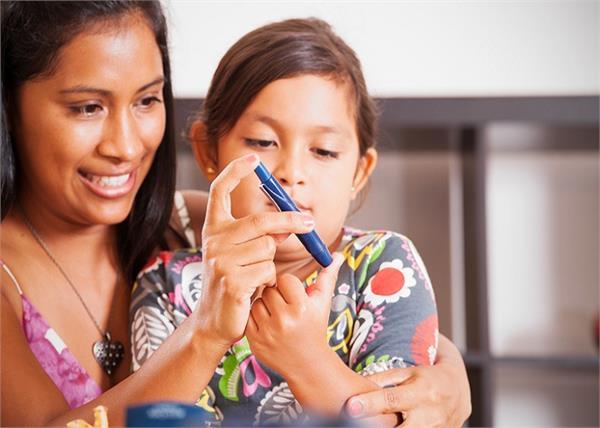 डायबिटीज होने का संकेत देते हैं बच्चे में दिखने वाले ये लक्षण