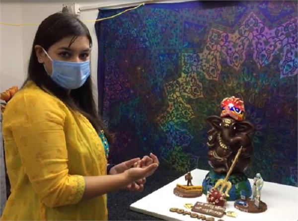कोरोना काल में गणेश चतुर्थी: चॉकलेट से मूर्ति बना जरूरतमंदों में बांट रहीं निधि शर्मा
