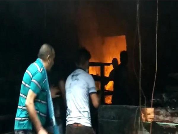 fire in jalandhar dilbag sweets shop