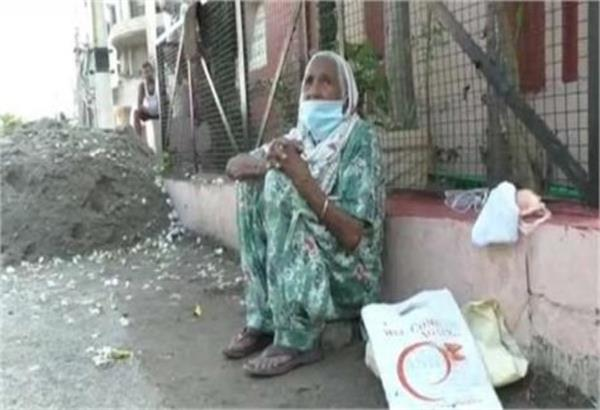 bahu expels mother in law out of home