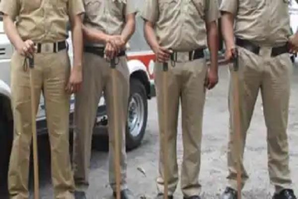 bhadohi villagers attacked police for nabbing district badar accused