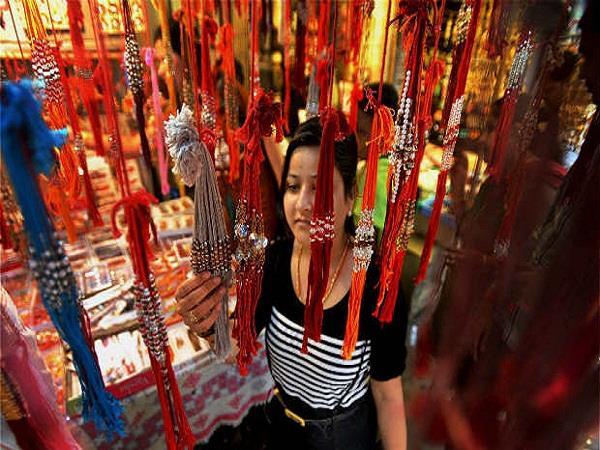 all markets and malls will open this sunday regarding rakhi