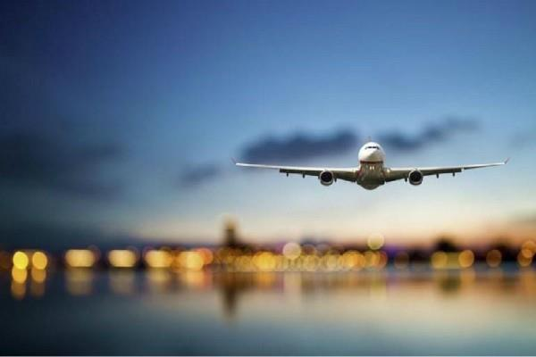 around 1 lakh passengers flew in a day