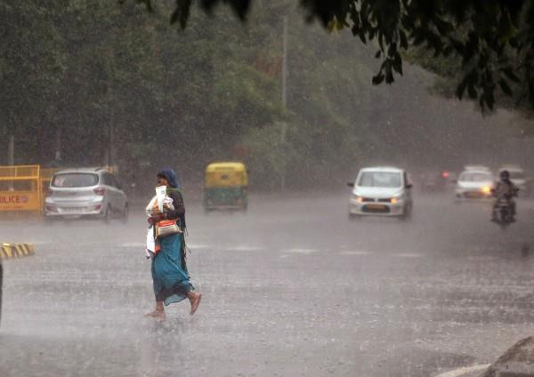 rain in many parts of delhi