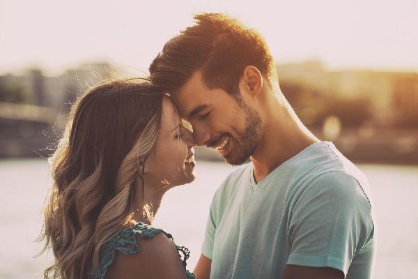 पति-पत्नी के बीच होगा बेशुमार प्यार, बस कर लें इस मंत्र का जप