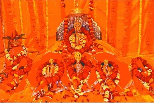 two devotees set out from shringverpur for ramlala