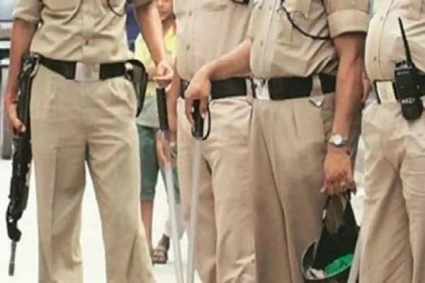 workers fed up with the antics of policemen said gunmen should not be