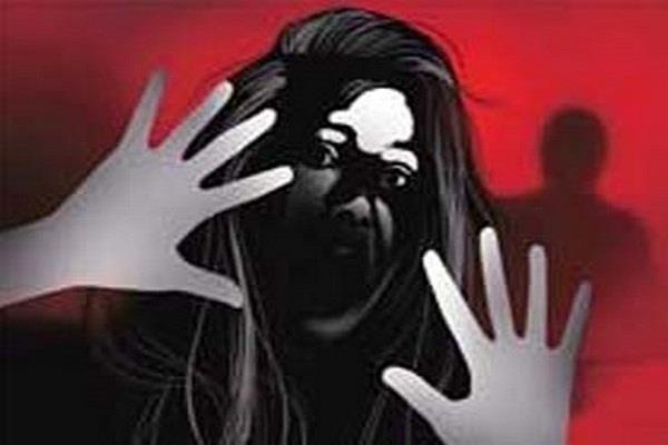 tourist guide molested in delhi hotel one accused arrested