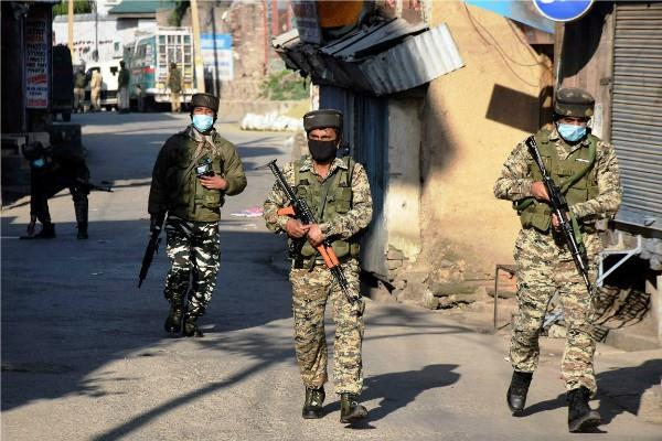 j k army killed 3 terrorists in srinagar encounter