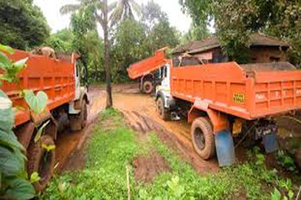 unscrupulous mining mafia attempts to crush police party near sawan khad