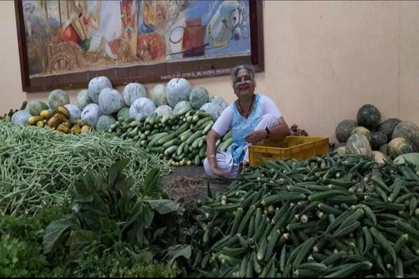 info chairperson sudha murthy vegetables sell outside temple once a year