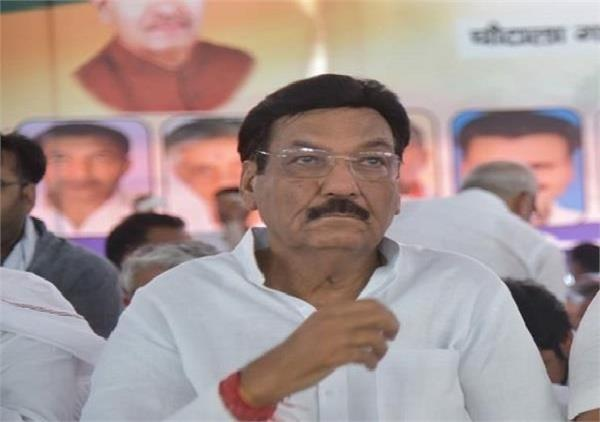 power minister targeted inld supremo and hooda