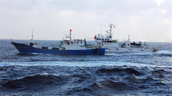 indonesia confronts chinese ship in disputed south china sea