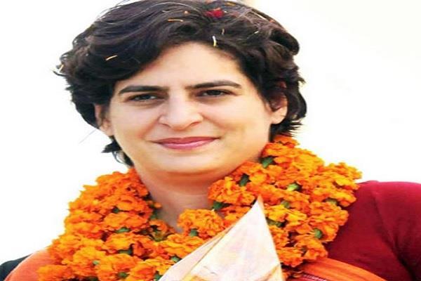 priyanka gandhi will campaign for congress in madhya pradesh