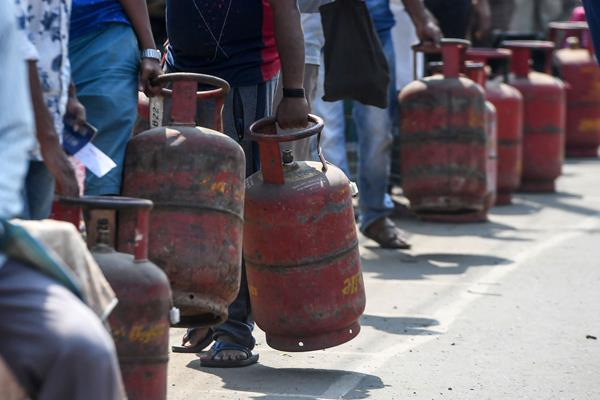 last chance to get free gas cylinder connection apply before 30 september