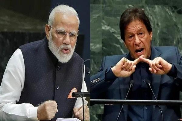 india shows pakistan a mirror in the un