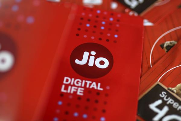 reliance jio reigns in delhi circle with 35 33 percent market share