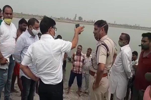 6 people drown in yamuna canal three dead bodies found