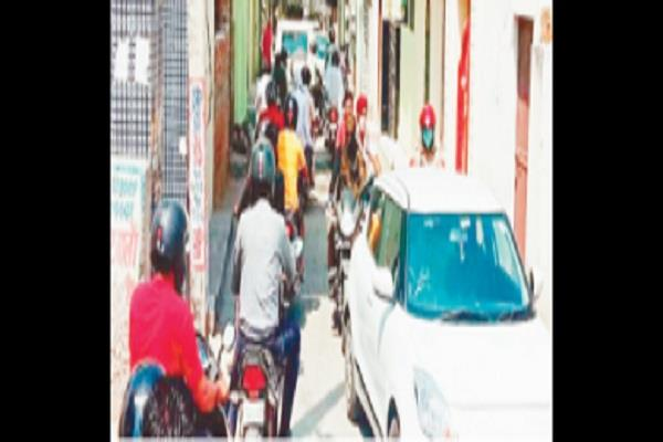 increase in traffic due to increase in traffic of patel nagar residents