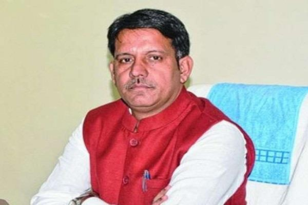 former agriculture minister accuses party mp sunil soren of factionalism