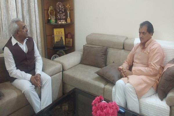 assembly speaker meets with madan kaushik