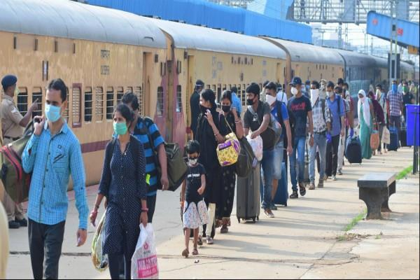 25 passengers corona positive who came to ahmedabad by trains