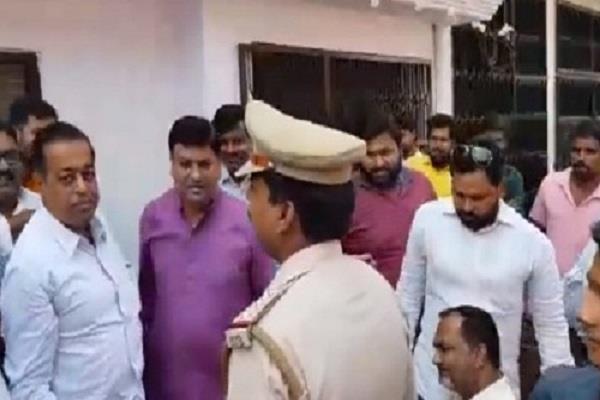 shri ram airport expansion sp leader pawan pandey under house arrest