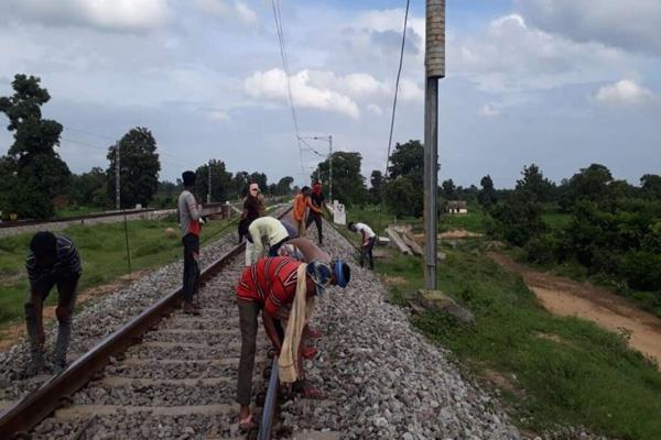 railways created eight lakh man days of labor opportunities under