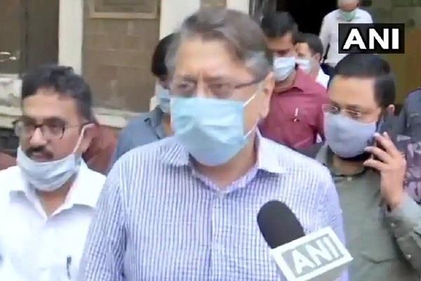 tightening grip on deepak kochhar in money laundering case