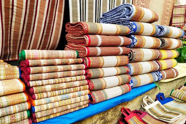flipkart amazon snapdeal remove fake khadi products after kvic pressure