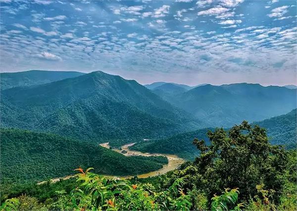 खूबसूरत झरने व मंदिर से मशहूर है ओडिशा की देवमली पहाड़ी, देखें तस्वीरें